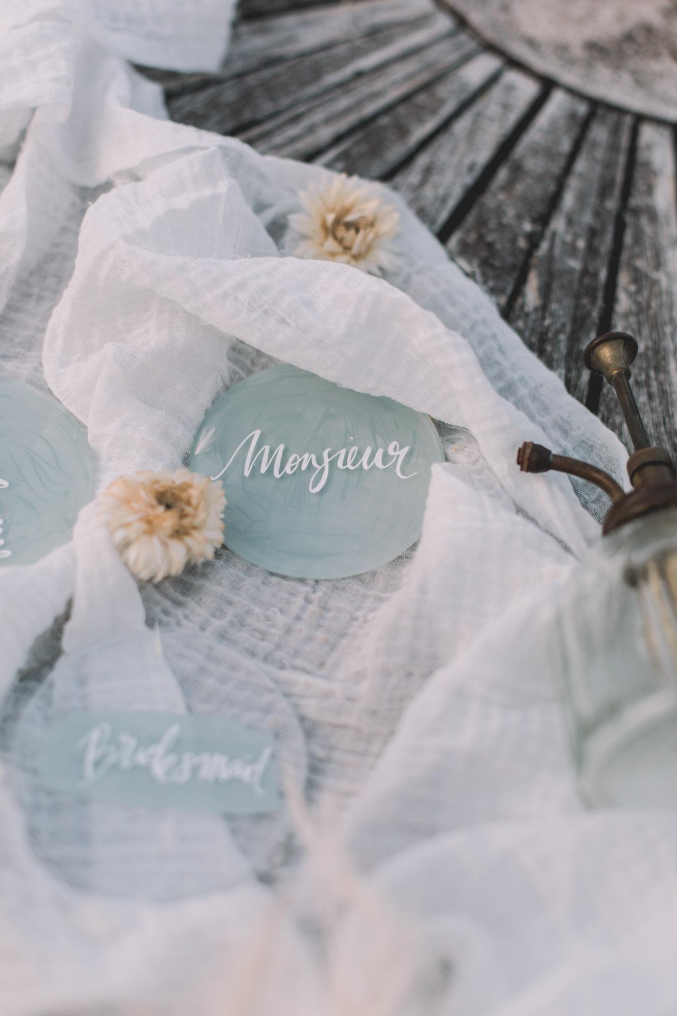 PAPETERIE_MARQUE PLACE_BLEU_CALLIGRAPHIE_PHOTOGRAPHE_MARIAGE_LES BANDITS